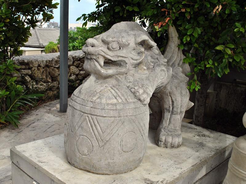 識名宮の狛犬