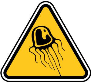 クラゲ注意の標識
