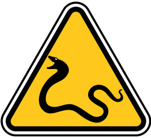 ヘビ注意の標識