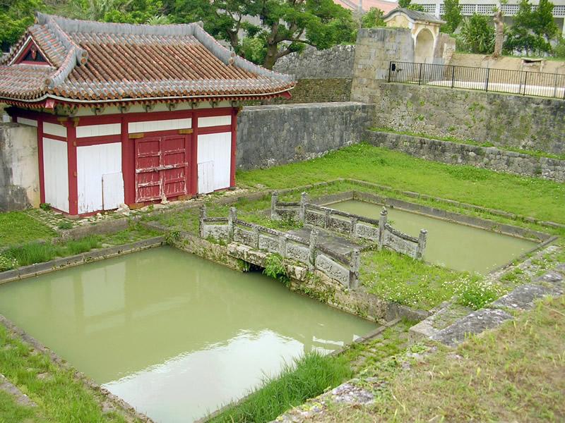 円覚寺総門と訪生橋
